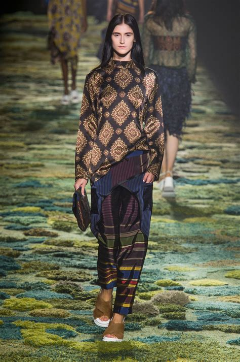libro dries van noten dries van noten at paris fashion week spring 2015 livingly