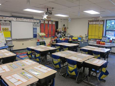 Classroom Desk Layout Ideas by 17 Best Images About Classroom Layout On