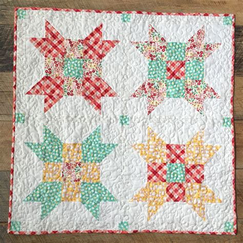 Baby Quilt Quarters by 17 Best Images About Baby Quilts On Square