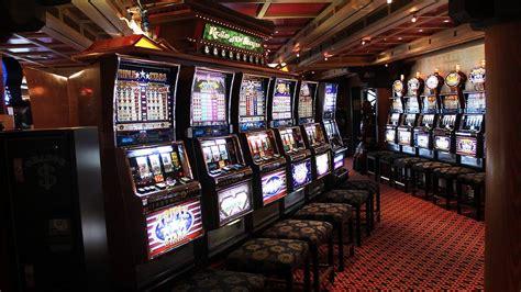 casinos slot machines  designed  addict