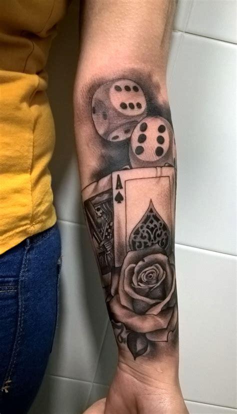rosa cartas poker y dados