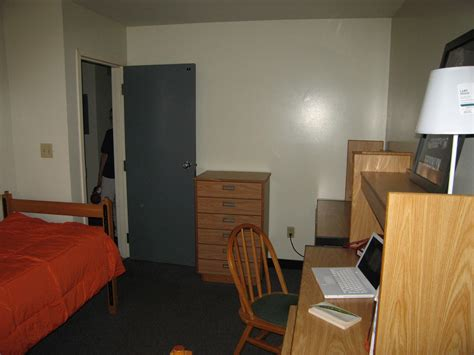 College Closet York Pa Hours by Freedom Apartment Tour At Albany Suny