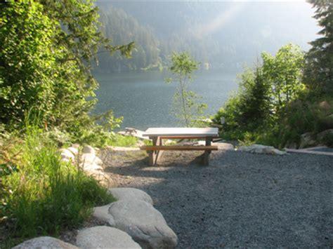 Kawkawa Lake Cabins by Kawkawa Lake