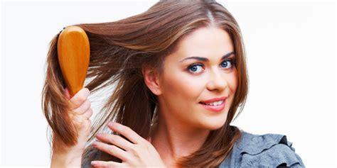 Sisir Cat Rambut 5 kebiasaan yang bisa merusak keindahan rambut anda
