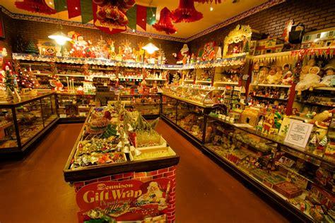 photo ops christmas lancaster pa an with jim morrison a k a santa jr glencairn museum
