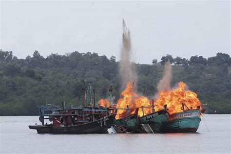 boats for sale jakarta indonesia indonesia blows up 23 foreign fishing boats to send a