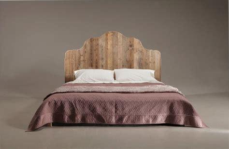 testate letto legno 17 best ideas about testata letto in legno on