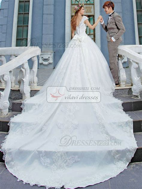 Plus Size Lace Wedding Dresses With Cathedral by Wedding Dresses With Cathedral Trains Wedding Ideas
