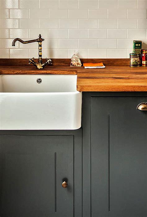 muebles de cocina madera rustica cocina r 250 stica con muebles de madera pintada en color negro