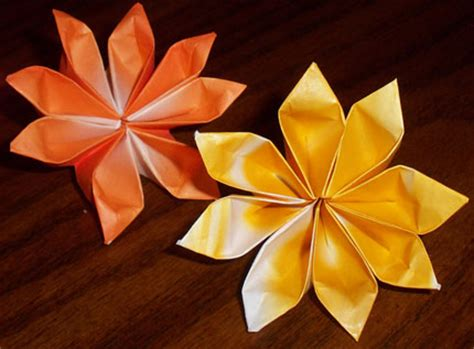 Origami 4 Petal Flower - decorate your home with these beautiful origami flowers