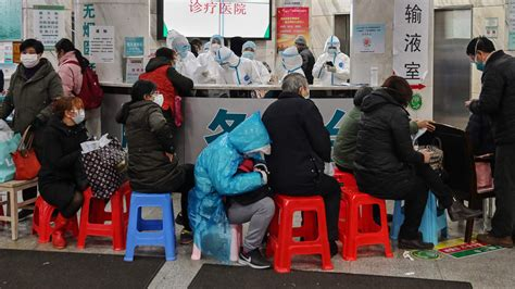 toll  outbreak climbs  china  infections reach