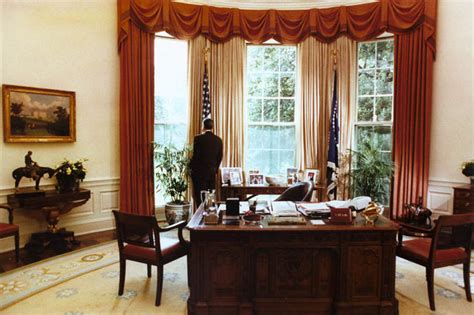 reagan oval office file president reagan alone in the oval office 1984 jpg