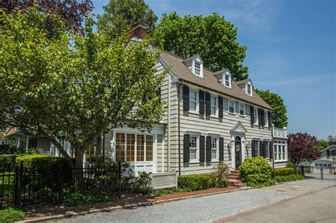 the amityville horror house is up for sale but when you