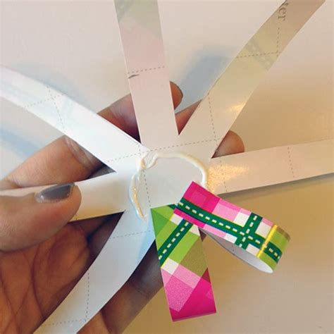 Make A Bow Out Of Wrapping Paper - history in high heels diy paper bows