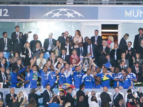 chelsea ucl 2012 file chelsea ucl winners 2012 jpg wikimedia commons