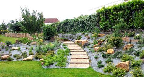 Idée Pour Cacher Un Trou Dans Un Mur chemin 233 e de jardin chemin e jardin sur enperdresonlapin