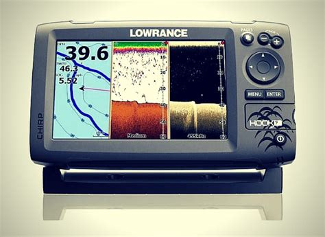 lowrance hook  review fish finder planet