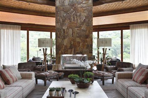 cortinas serra parede de pedra