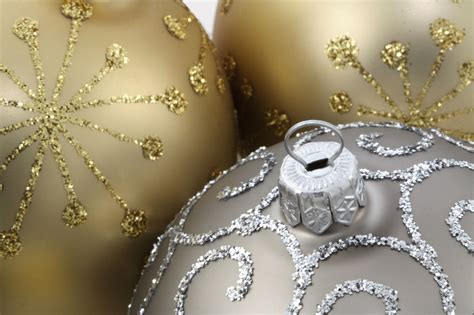 silver gold ornament balls christmas crafts and ideas