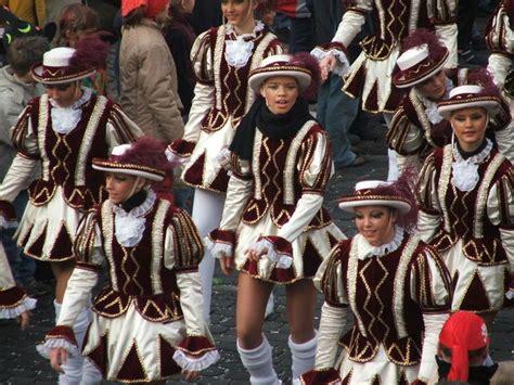 wann beginnt karneval 11 knallbunte fragen zu fasching playbuzz