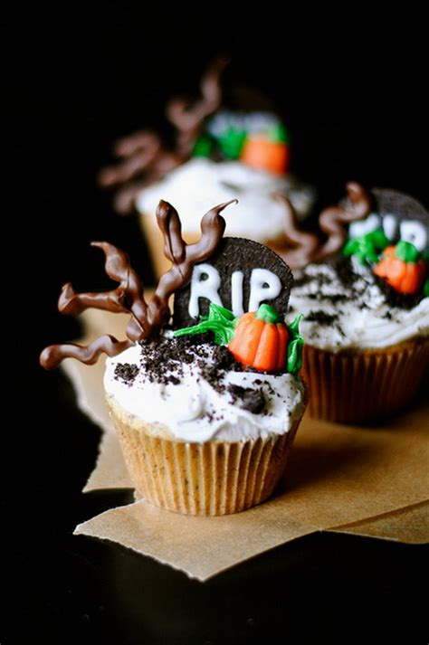 halloween cupcakes spooky halloween cupcake ideas family holiday net guide