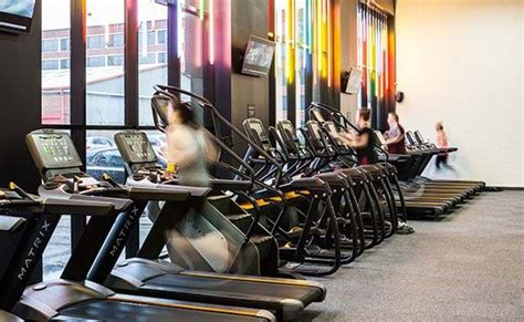 cost  hour gym memberships  contract puregym