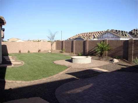 Arizona Tropical landscape design with sod, palm trees