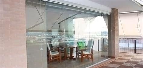 chiusure in vetro per terrazzi chiusure terrazzi a vetrate scorrevoli tsh service