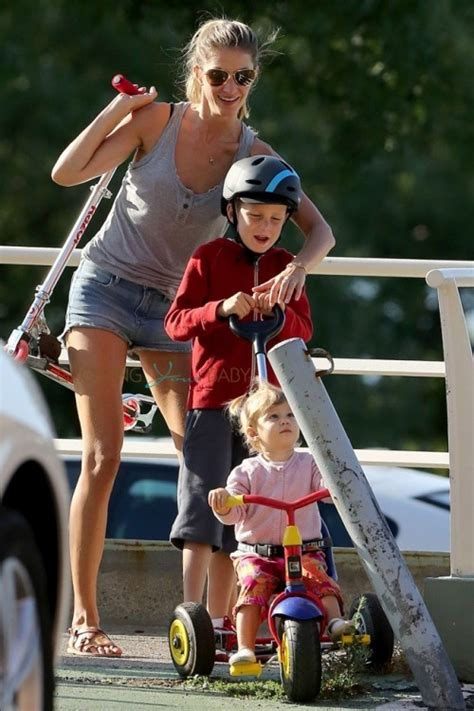 Gisele Bundchen Plays With Balls In by Tom Gisele Play At The Park With Their Crew