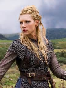 vikings hagatga hairdos vikings tv show katheryn winnick as lagertha love the