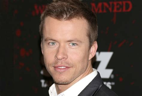 actor the flash flash season 3 casts todd lasance as the rival promo
