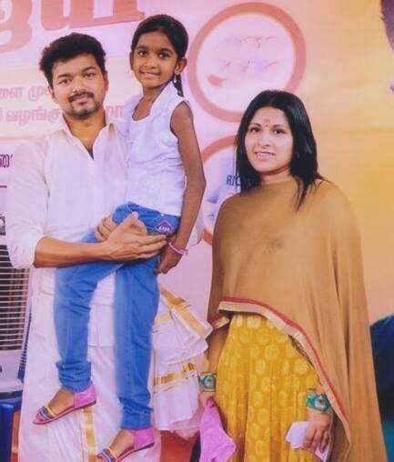 actor vijay daughter divya saasha date of birth actor vijay family member caste photo daughter mother father
