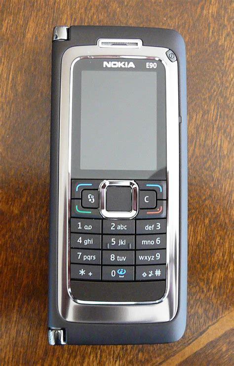 Nokia E90 Communikator nokia e90 communicator the hardware