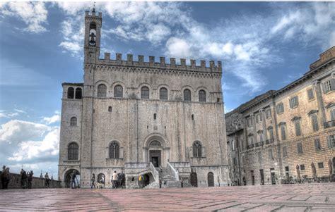 gubbio palazzo dei consoli file gubbio palazzodeiconsoli jpg wikimedia commons