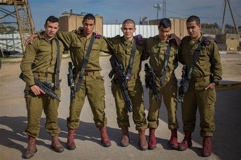 Idf Soldier arab israelis are joining the idf in growing numbers