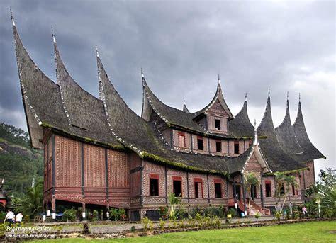 gambar rumah adat minangkabau