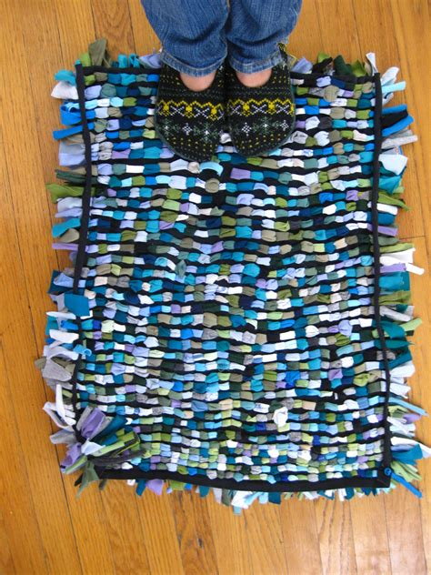 rug made from tshirts crafty t shirt shag rug tutorial