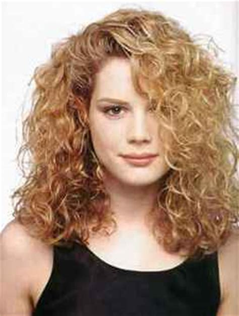 hair for woman with thick frizzy hair women long curly hair style blonde