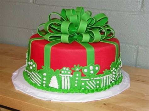 how to decorate a cake at home awesome christmas cake decorating ideas family holiday