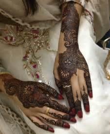 Beautiful bridal henna mehndi designs