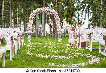 Kirchenbã Nke Hochzeit by Stock Foto Wedding B 228 Nke G 228 Ste Blume Bogen