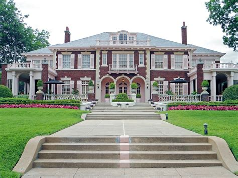 style mansions colonial revival style mansion swiss avenue dallas flickr