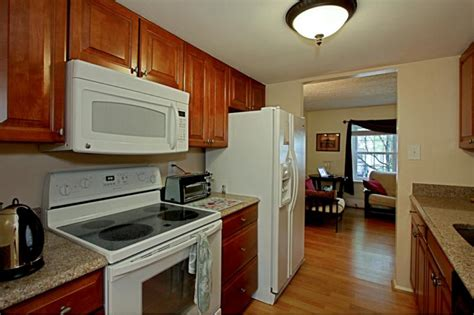 updated kitchens with white appliances falls church charmer townhouse for sale 2853 great oak court