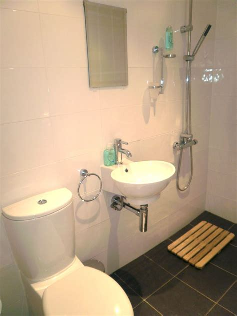 wet room small bathroom 25 best ideas about wet room bathroom on pinterest wet