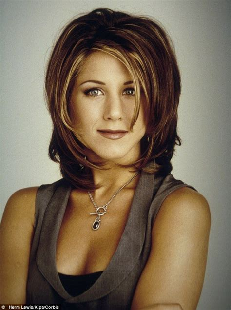 rachel haircut pictures back view jennifer aniston s hairdresser was high when he gave her