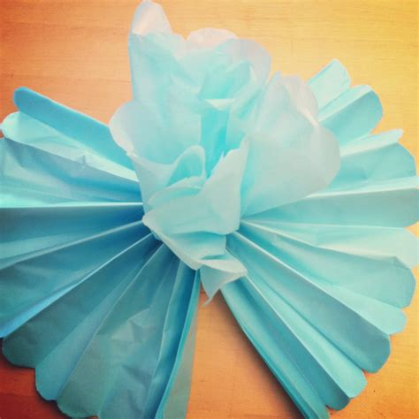 With Tissue Paper - tutorial how to make diy tissue paper flowers