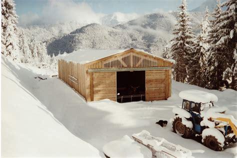 hangar bois en kit projets de b 226 timents agricoles roin 233