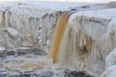 frozen waterfalls amazing landscapes of frozen waterfalls green landscapes