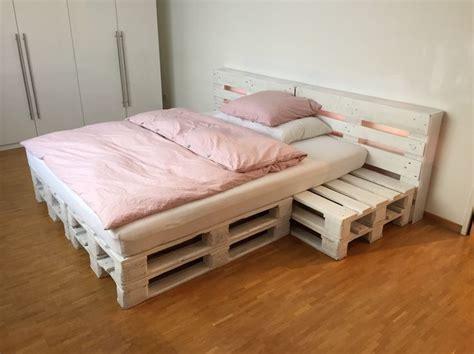 Nachttisch Beleuchtet by Die Besten 25 Palettenbett 140x200 Ideen Auf