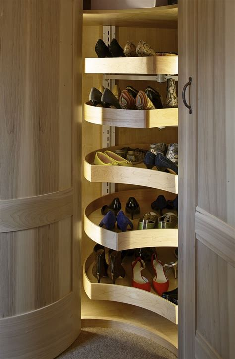 shoe carousel   corner unit   walk  wardrobe